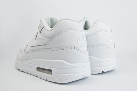 кроссовки Nike Air Max 1 Leather Triple White